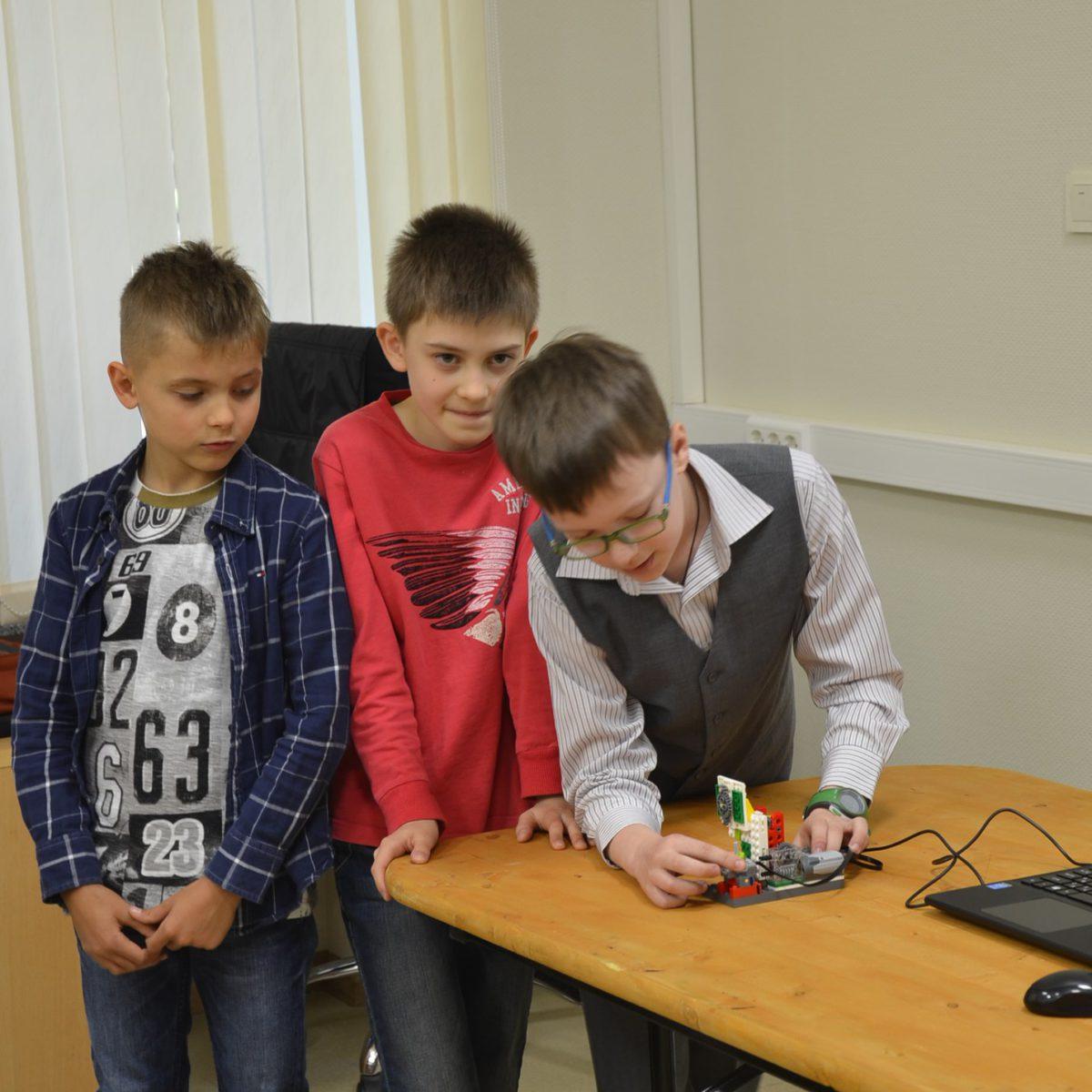 Соревнования по Робототехнике 22.05.17